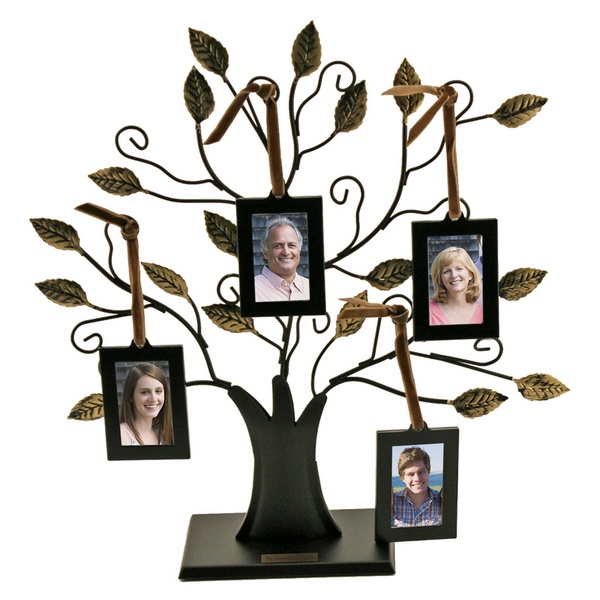 Small Family Tree With 4 Hanging Frames
